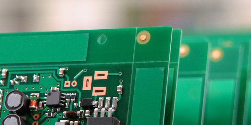 بردهای مدار چاپی (PCB)